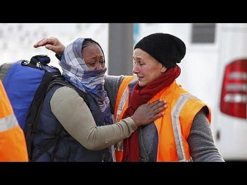 Γαλλία: Με δάκρυα οι τίτλοι τέλους στη «ζούγκλα» του Καλαί – world