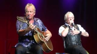 AIR SUPPLY TWO LESS LONELY PEOPLE IN THE WORLD (MOVISTAR ARENA 2016)
