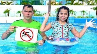 SARAH aprende as REGRAS DE CONDUTA pra CRIANÇAS na PISCINA 2 | Rules of Conduct for Children in Pool