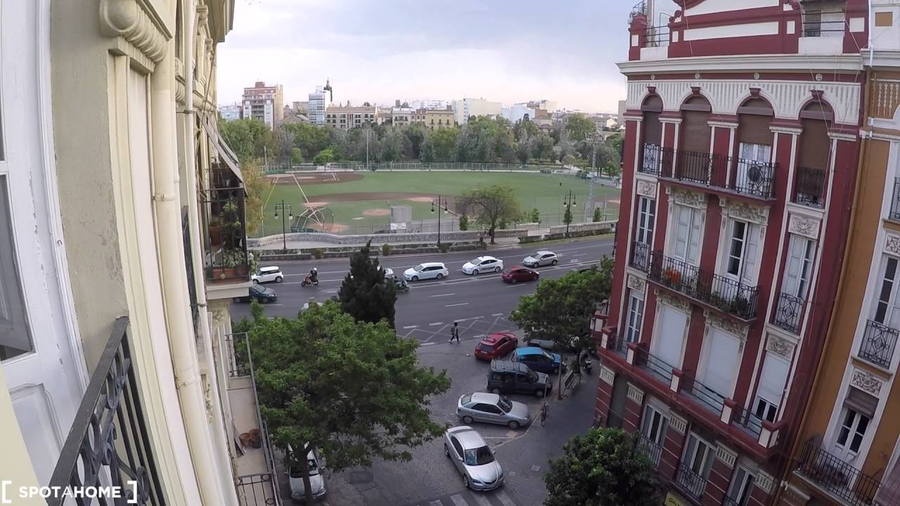 Room for rent in 2-bedroom apartment with balcony in La Saïdia area