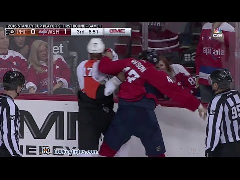 Wayne Simmonds vs Tom Wilson