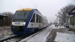 preview picture of video 'Bahnübergänge an der Bahnstrecke Halberstadt - Magdeburg'