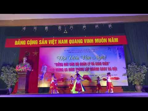 """Tiết mục của GV HS trong Hội diễn văn nghệ """"Tiếng hát cán bộ quản lý và GV"""" chào mừng 65 năm thành lập ngành GDĐT Hà Nội"""