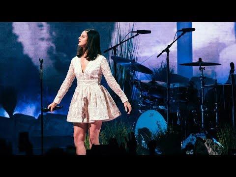 Video: Lana Del Rey – LA To The Moon Tour live at Minneapolis