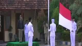 preview picture of video 'Upacara SMAN 3 PAMEKASAN Pembina Bupati Pamekasan'