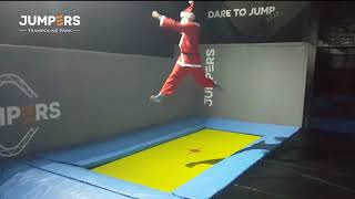 Pai Natal nos trampolins - Jumpers