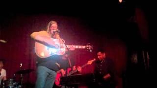 Allen Stone - Your Eyes (Live @ Hotel Cafe)