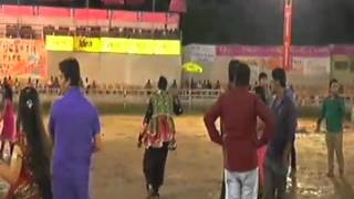 preview picture of video 'MaaShakti Garba godhra 2013 Day 4rth'