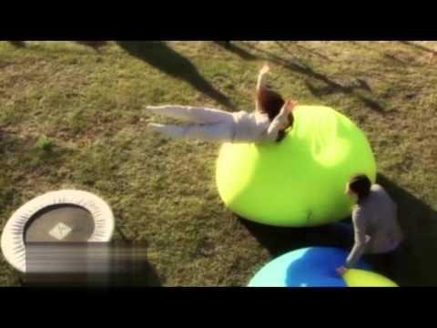 Sedit Expandpouf Sphere Sitzsack in Action