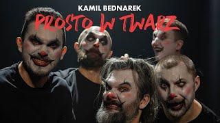 Kadr z teledysku Prosto w twarz tekst piosenki Kamil Bednarek