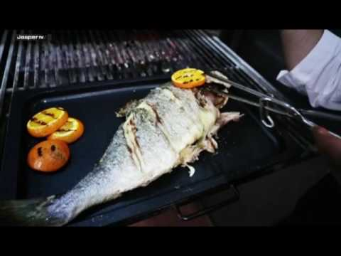 Video Wild sea bream Charcoal oven - Engels