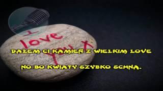 Enej Kamień Z Napisem Lov Karaoke