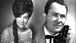 Don Gibson & Dottie West - There's A Story