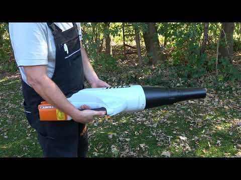 Stihl Akku Laubbläser BGA 85 wie wird er bedient und im praktischen Test am nassen Laub