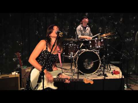 Give Me Time - Lydia Warren with Nick Moss Band - Don Odells Legends.mov