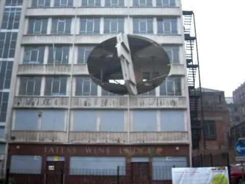 edificio giratorio en liverpool