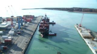 preview picture of video 'Timelapse of Napier Port with tilt shift effect'