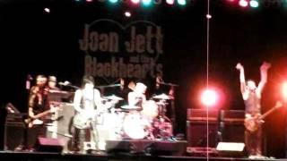 JOAN JETT & THE BLACKHEARTS @ CONEY ISLAND BROOKLYN NYC 14 JULY 2011