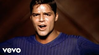 Ricky Martin - La Bomba (Spanish)(Official Music Video - Remastered)