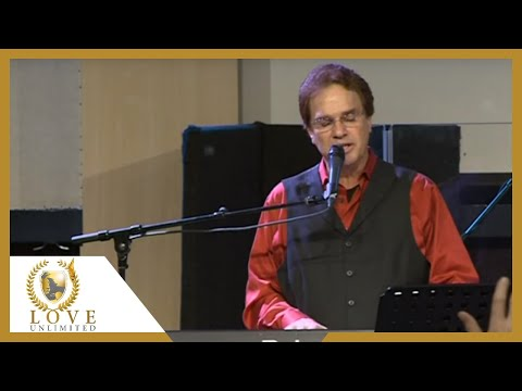 Holy are You Lord - Terry MacAlmon (2012)