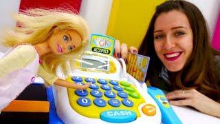 Barbie muñeca va al supermercado. Vídeos para niñas.