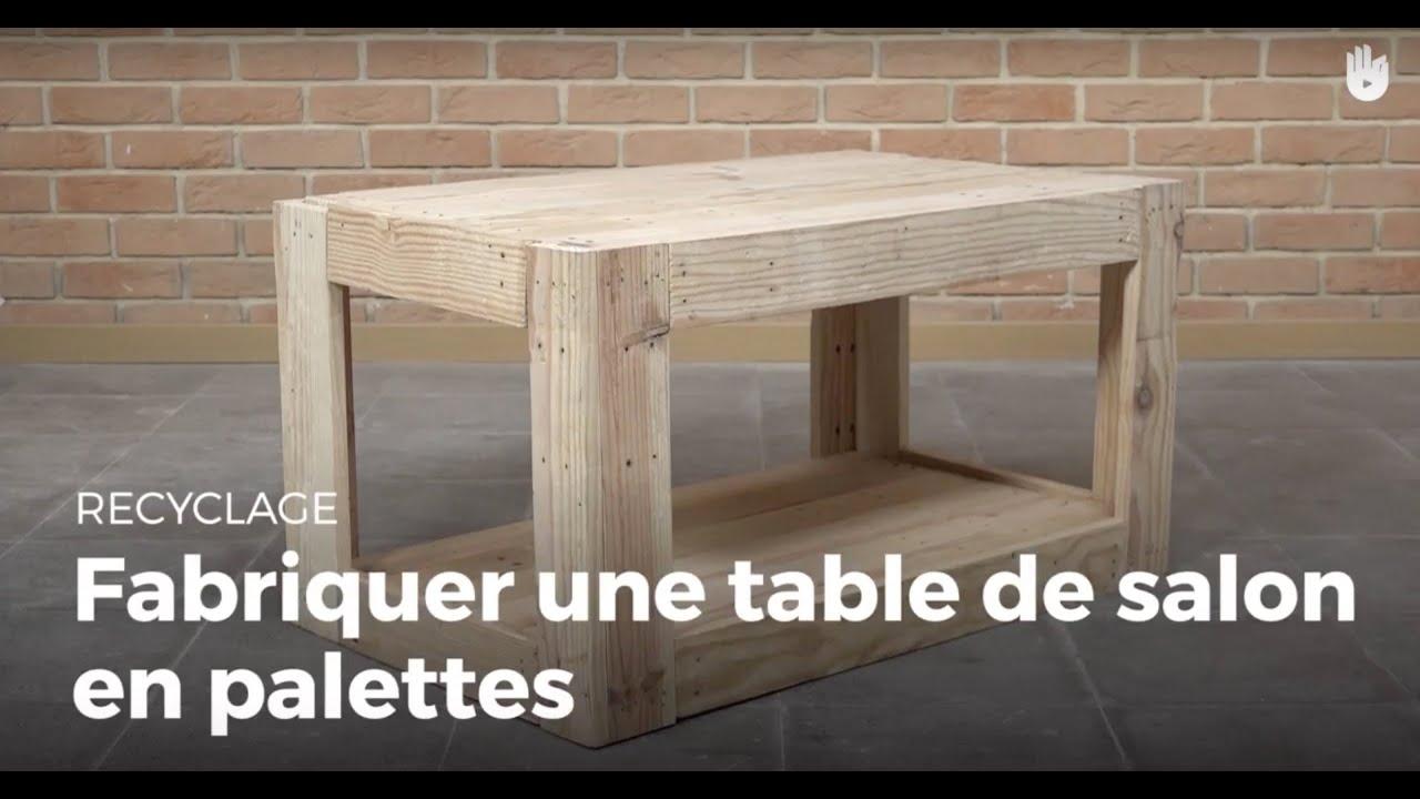 Fabriquer une table de salon en palette Fabriquer des meubles avec des palettes en bois  # Fabriquer Des Meubles En Palettes De Bois