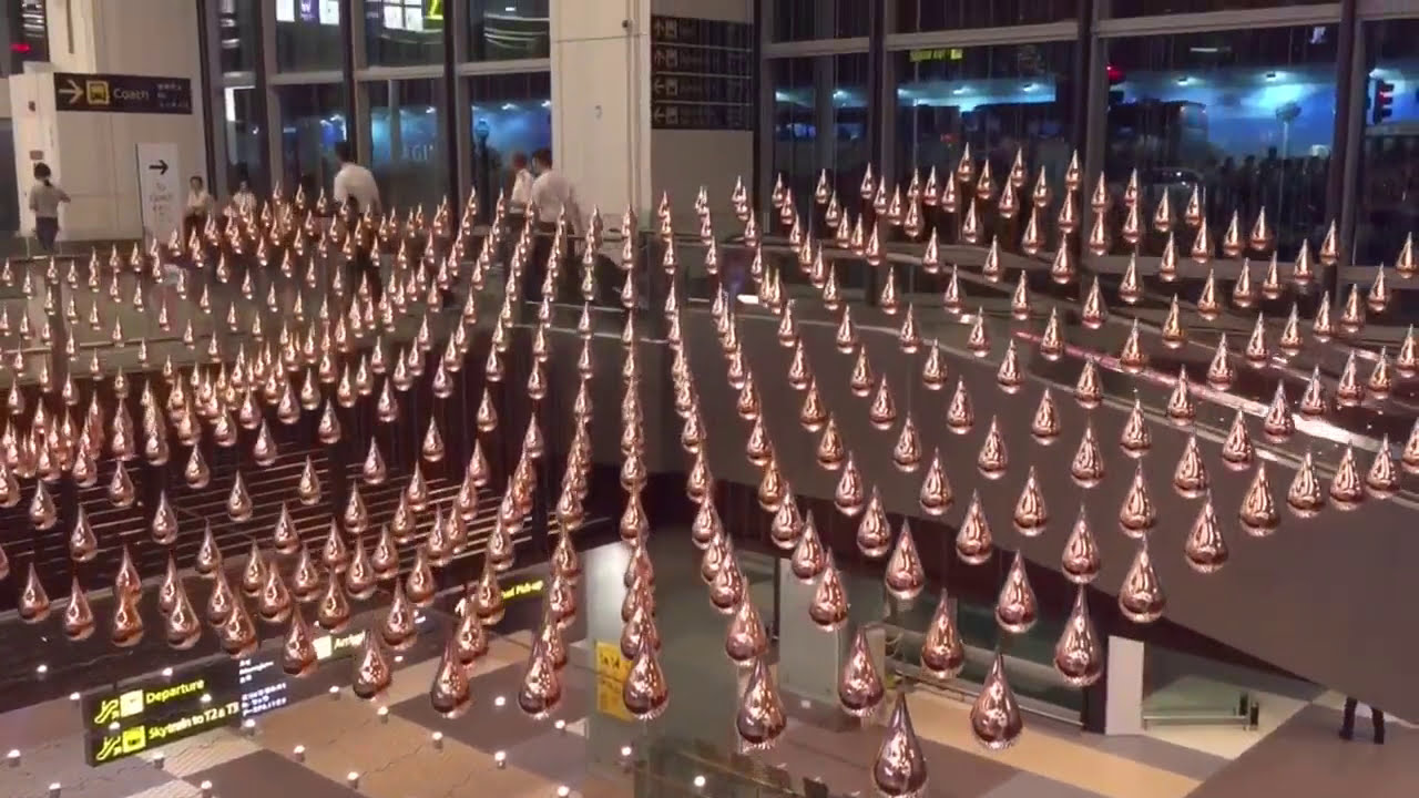 art installation kinetic rain in singapore airport by patrick kirwin