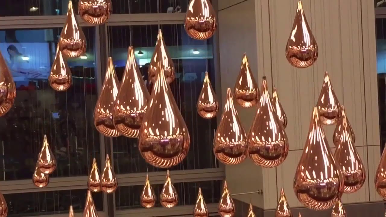 art installation kinetic rain in singapore airport by patrick kirwin