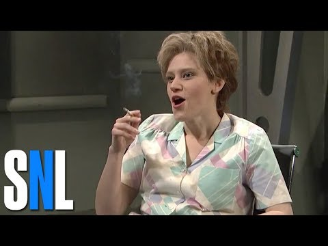 Saturday Night Live Top 10 Kate McKinnon Sketches & Impersonations including Jeff Sessions (видео)