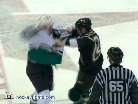 Jeremy Stevenson vs. Travis Moen