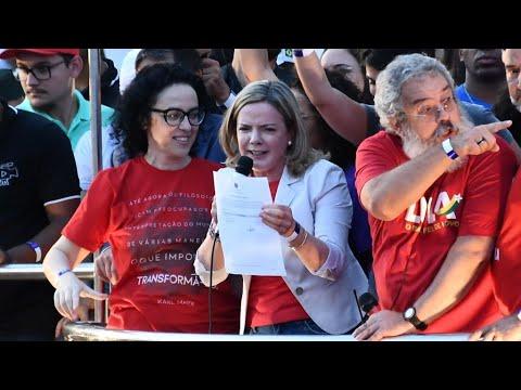 Jailed Lula registers to run for Brazil presidency