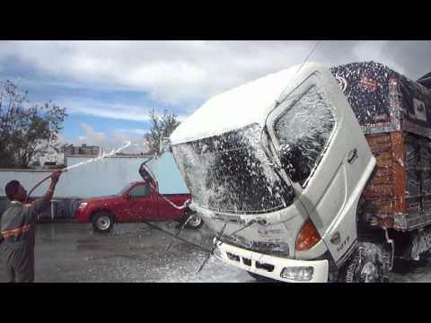 lavado de motor   lavadora  de autos  (AUTOSPA) QUITO ECUADOR