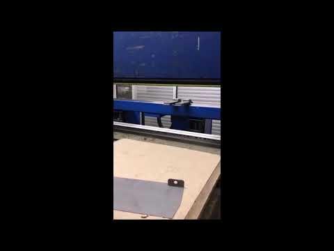 CNC hydraulický ohraňovací lis TRUMPF TrumaBend V130 2001
