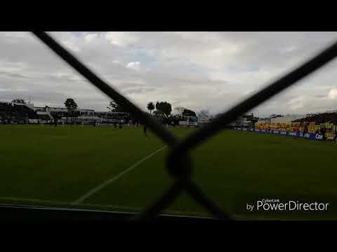 """""""Hinchada De Peñarol Vs. danuBio / El Campeon Del Siglo En Jardines /  Cl. 2018"""" Barra: Barra Amsterdam • Club: Peñarol"""