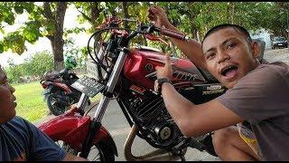 Download Video BLOK JANDA RX KING BUAT JATHILAN DI JALAN MP3 3GP MP4