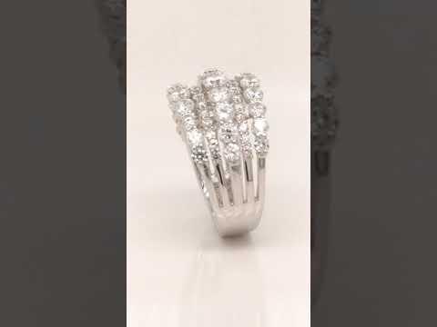 Anillo CyC Coleción Meghan Masterpiece con diamantes en oro 18k