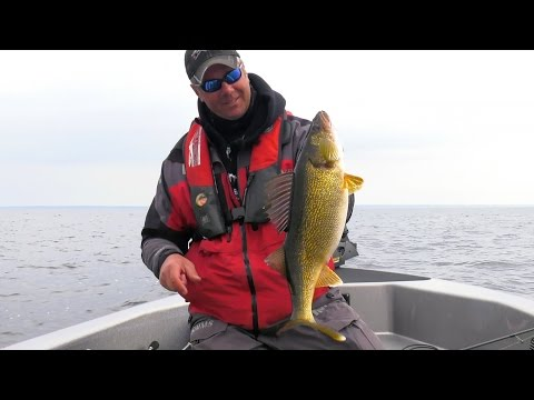 Green Bay Walleye - In-Depth Outdoors TV Season 11 Episode 22