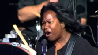 Joan Armatrading - Woman In Love (Live at Glastonbury 2008) HD 720p