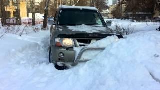 Застрял в снегу на Pajero. [Пермь 2014]
