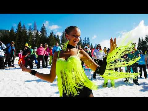 Bikini Skiing by Party kýbl 2018  - © TMR