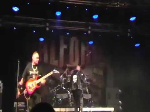 Halford Revival - Halford Revival - Into the Pit (Live in Šeříkovka, Plzeň) 13.4.