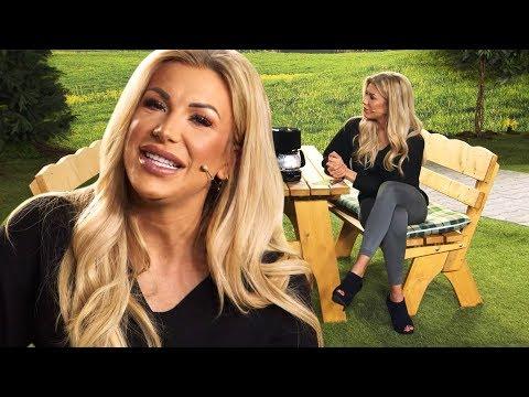 Vivien Konca genießt immer heißen und frischen Kaffee! Bei PEARL TV (März 2019) 4K UHD