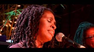 Phenomenal Woman  <b>Ruthie Foster</b> Live At Antones