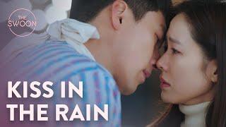 Hyun Bin kisses Son Ye-jin's tears away   Crash Landing on You Ep 7 [ENG SUB]