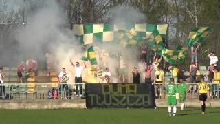 preview picture of video 'Tłuszcz: TKS Bóbr Tłuszcz - Mazur Radzymin - oprawa w drugiej połowie (28.04.2012)'