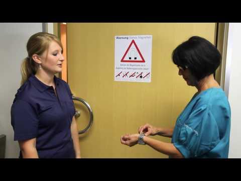 Mit Osteoarthritis des Knies bietet Behinderung