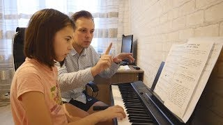 "Victoria Entered The Children's Music School. Vlog. ""Real Russia"""