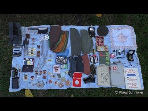 Dachbodenfund: Kiste mit NVA Militaria