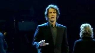 "Josh Groban Sings ""Where I want to be"" at Chess May 12th2008"