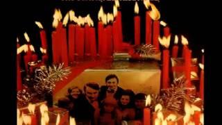 The Gunter Kallmann Choir : Happy Holiday, I Saw Mommy Kissing Santa Claus